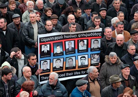 Ermənistanda etiraz mövsümü - Foto 1