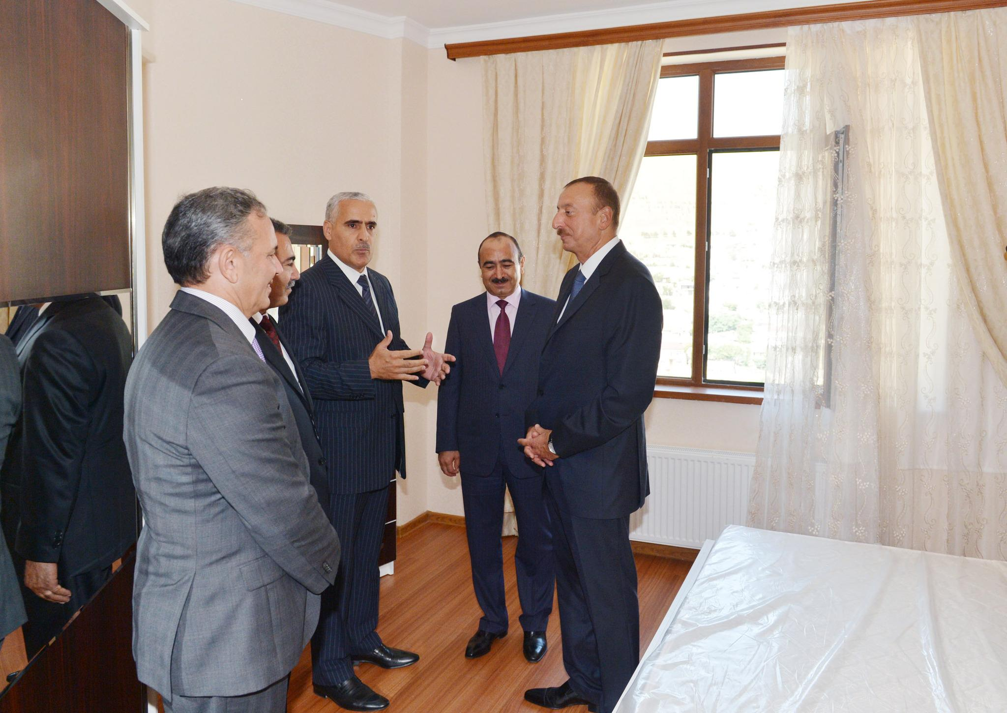 Dövlət jurnalistlərinə sahib çıxdı - Foto 0